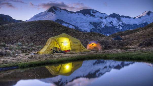 Dormitul la cort trei mari avantaje pentru sanatate